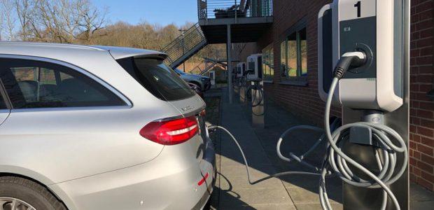 SIDEKA ERRICHTET LADEMÖGLICHKEITEN FÜR E-AUTOS
